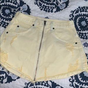 LF Zip Up Skirt light Yellow Size 26 BNWOT